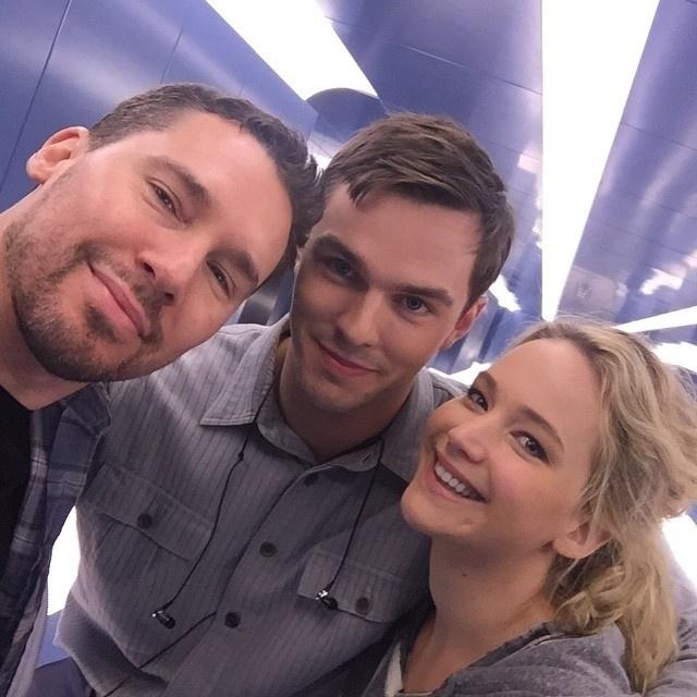 Bryan Singer, Nicholas Hoult e Jennifer Lawrence