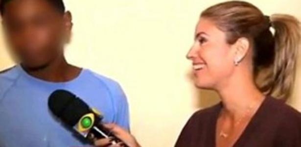 Em 2012, a repórter Mirella Cunha tirou sarro de um preso que confundiu exame de corpo de delito com o exame de próstata
