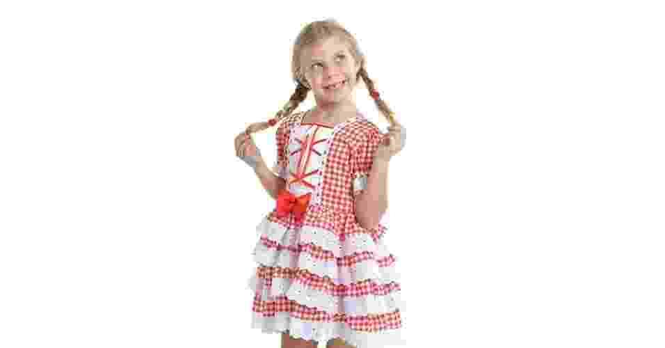 Vestido vermelho de festa junina da Multikoisas Fantasias, à venda na Elo7 (www.elo7.com.br). Disponível para crianças de dois a 10 anos. R$ 139. Preço pesquisado em junho de 2015 e sujeito a alterações - Divulgação