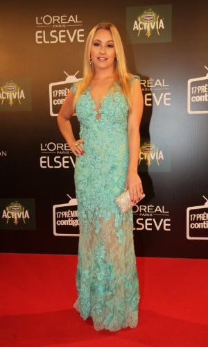 """8.jun.2015 - A atriz Carla Dias comparece ao """"Prêmio Contigo! de Televisão"""", que acontece na noite desta segunda-feira, no Copacabana Palace, Rio de Janeiro"""