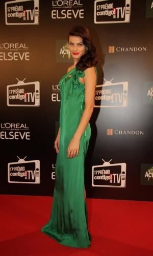 """8.jun.2015 - A modelo Isabeli Fontana comparece ao """"Prêmio Contigo! de Televisão"""", que acontece na noite desta segunda-feira, no Copacabana Palace, Rio de Janeiro"""
