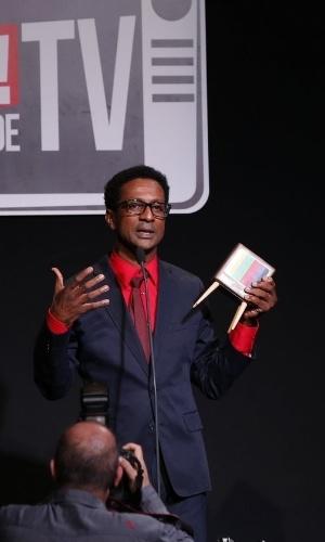 """8.jun.2015 - Luis Miranda ganhou o prêmio de melhor ator coadjuvante em novela pela personagem Dorothy, """"Geração Brasil"""""""