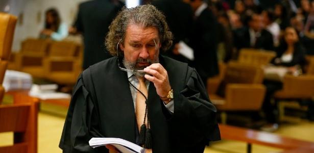 10.jun.2015 - O advogado Antonio Carlos de Almeida Castro, o Kakay