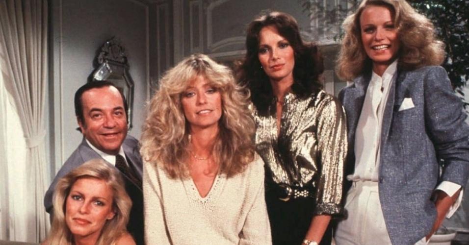"""""""As Panteras"""" (1976-1982): Três belas mulheres combatendo o crime em missões especiais, comandadas pelo Chefe Bosley (David Doyle). Cada episódio começava com as heroínas recebendo as orientações do misterioso Charlie (que nunca apareceu), através de um transmissor viva-voz. As três atrizes foram sendo trocadas no decorrer das temporadas: Farrah-Fawcett, Jaclyn Smith, Kate Jackson, Cheryl Ladd, Shelley Hack e Tania Roberts"""