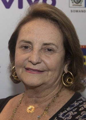 Lucinha Araújo, mãe de Cazuza, criticou o capítulo do folhetim que abordou a transmissão do HIV