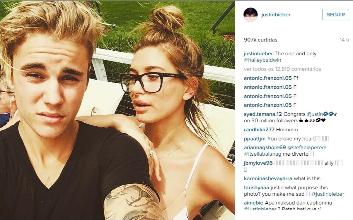 14.jun.2015 - Justin Bieber aumentou os boatos de que estaria namorando Hailey Baldwin ao postar uma selfie com a modelo
