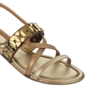 84d454411 Sapatos sem salto também podem ser usados com roupas sociais; veja seleção