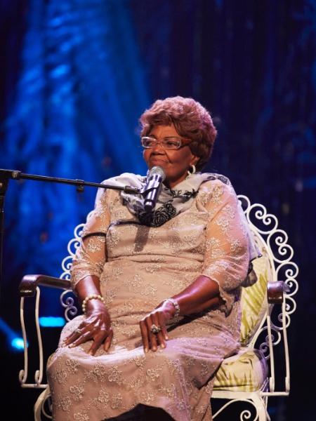 Dona Ivone Lara é a homenageada da vez no álbum Sambabook, com show no Auditório Ibirapuera
