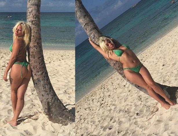 """17.jun.2015 - Lady Gaga resolveu sensualizar durante suas férias nas Bahamas. Em fotos publicadas nesta quarta-feira no Instagram, a cantora surge loira, de biquíni e bronzeada, enquanto faz pose junto a um coqueiro na praia. """"Trabalhe duro, jogue duro. Tabalhe duro, jogue duro"""", escreveu Gaga na legenda. Há dois dias, ela publicou uma imagem em uma lancha, também usando biquíni. Seu corpo foi criticado pelos seguidores"""