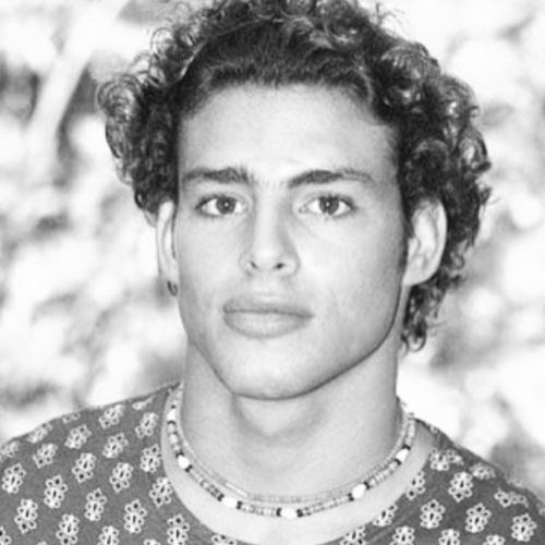 """17.jun.2015- Cauã Reymond recorda seu personagem que marcou sua estreia na TV em 2002, o Maumau de """"Malhação"""" em foto publicada nas redes sociais: """"Muito orgulho"""", escreveu  ele, que homenageou os 20 anos que a novela está no ar na Globo"""