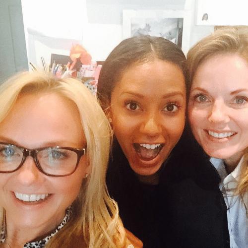 """18.jun.2015 - Eternas Spice Girls, Emma Bunton, Melanie Brown e Gery Halliwell se encontram e fazem uma foto juntas para o Instagram, que foi postada pela  """"Scry Spice"""" na manhã desta quinta-feira"""