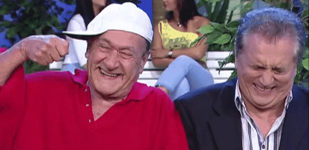 """Ronald Golias com Carlos Alberto em """"A Praça É Nossa"""" - Reprodução/SBT"""