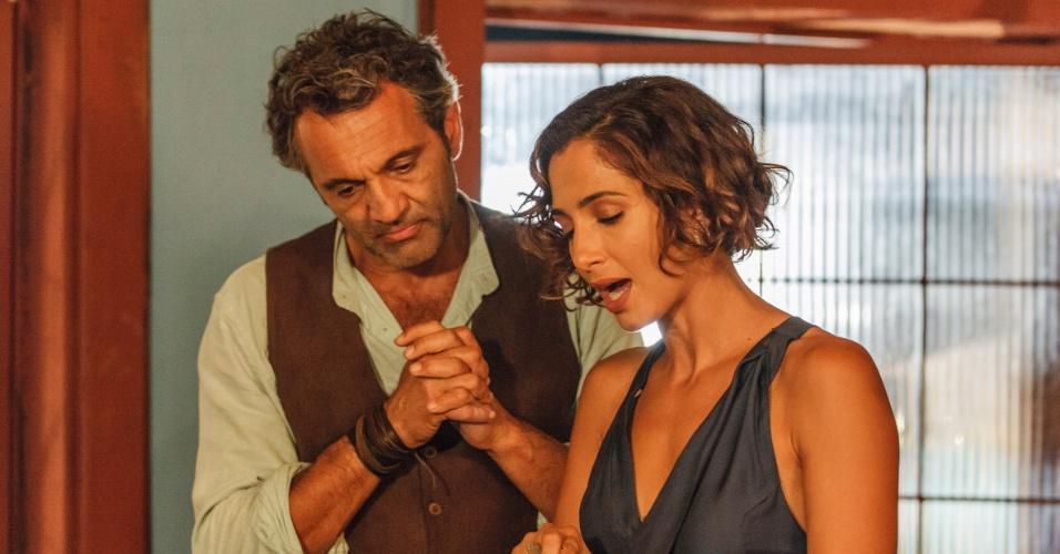 Domingos Montagner e Camila Pitanga, que interpretam Santo e Tereza em