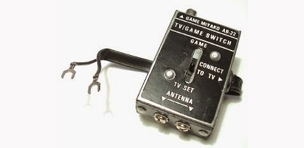 Você se lembra? As primeiras gerações de consoles usavam caixinhas como essa para se conectar aos televisores