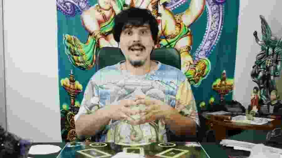 Luciano Nassyn, ex-Trem da Alegria, tem um canal no YouTube em que oferece tratamento espiritual - Reprodução/YouTube