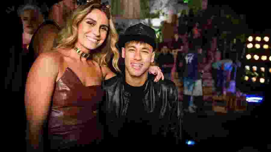 """Giovanna Antonelli e Neymar nos bastidores da gravação da novela """"A Regra do Jogo"""" - João Miguel Júnior/TV Globo"""
