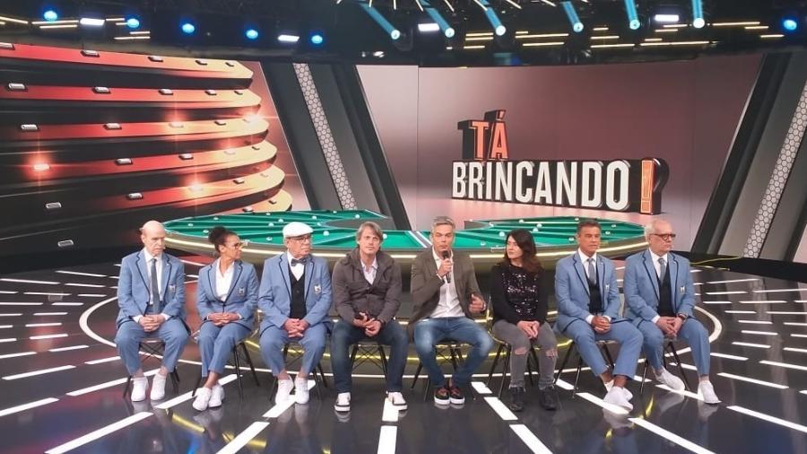"""Otaviano Costa e equipe na coletiva do """"Tá Brincando"""", que estreia em janeiro na Globo - Ana Cora Lima/UOL"""