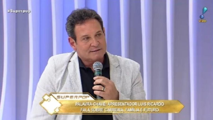 """Luís Ricardo participa do programa """"Superpop"""", da RedeTV - Reprodução/RedeTV!"""