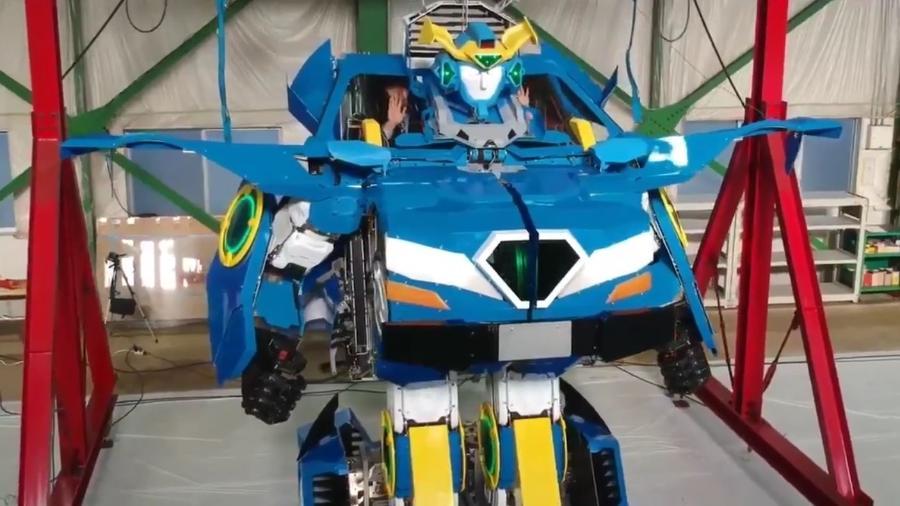 Empresas japoneses criam Transformers da vida real - Reprodução