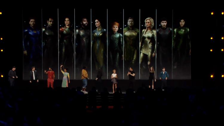 A equipe Eternals se reúne no Conselho da Marvel em D23 - Play / YouTube - Play / YouTube
