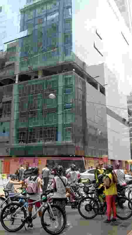 O projeto do arquiteto Paulo Mendes da Rocha para o atual Sesc 24 de Maio é uma das paradas do roteiro  - Eduardo Vessoni/UOL - Eduardo Vessoni/UOL