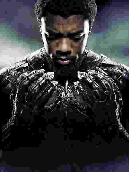 """Chadwick Boseman em poster de """"Pantera Negra"""" - divulgação/Marvel"""
