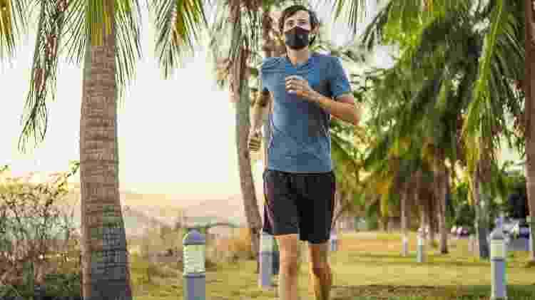 corrida, correr, exercício, máscara - iStock - iStock
