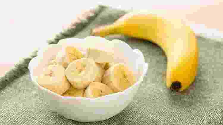 Banana é fonte de energia e ajuda a controlar a ansiedade - iStock - iStock