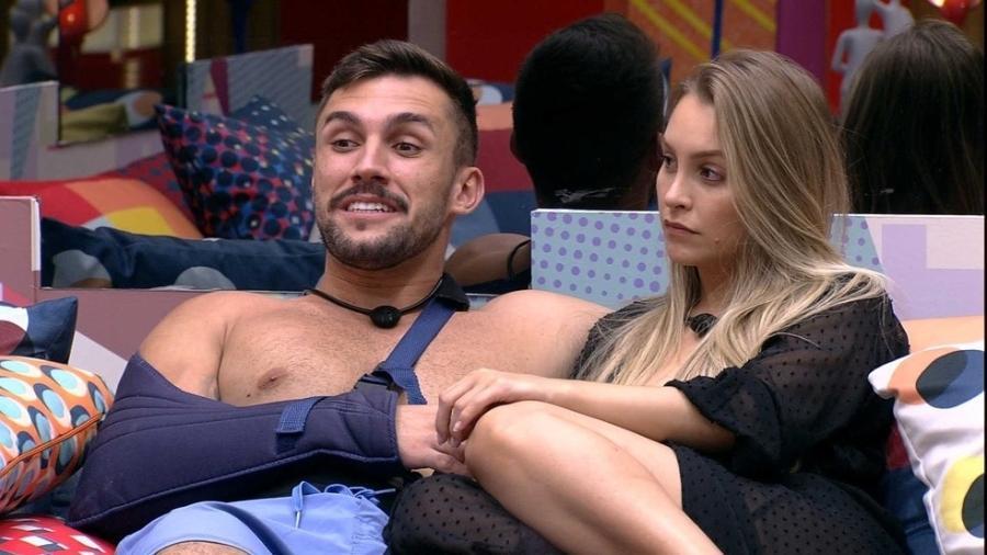 BBB 21: Relacionamento de Arthur e Carla Diaz está abalado.  - Reprodução/Globoplay