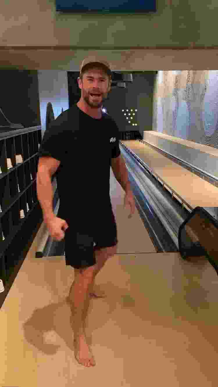 Chris Hemsworth pista de boliche - Reprodução/Instagram - Reprodução/Instagram