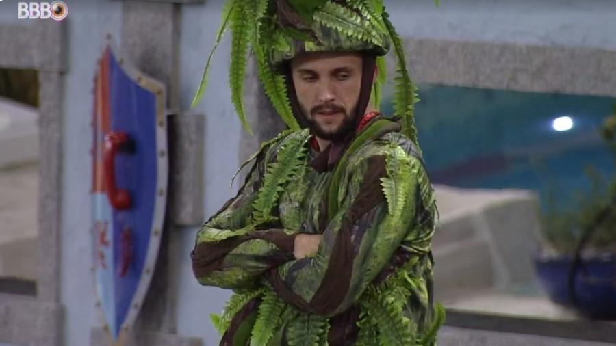BBB 21: Arthur diz que está se sentindo um pedaço de cocô - Reprodução/ Globoplay