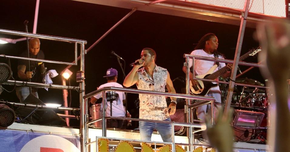 7.fev.2016 - Jamil e Umas Noites se apresenta no circuito Barra Ondina, em Salvador