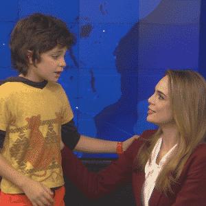 Felipe (Kevin Vechiatto) diz para Rachel Sheherazade que ela deveria ser a presidenta do Brasil - Divulgação/SBT
