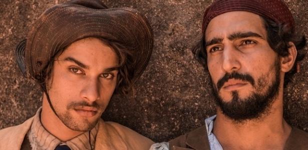 """Cícero (Pablo Morais) e Santo (Renato Góes) disputam Maria Tereza em """"Velho Chico"""" - Caiuá Franco/TV Globo"""