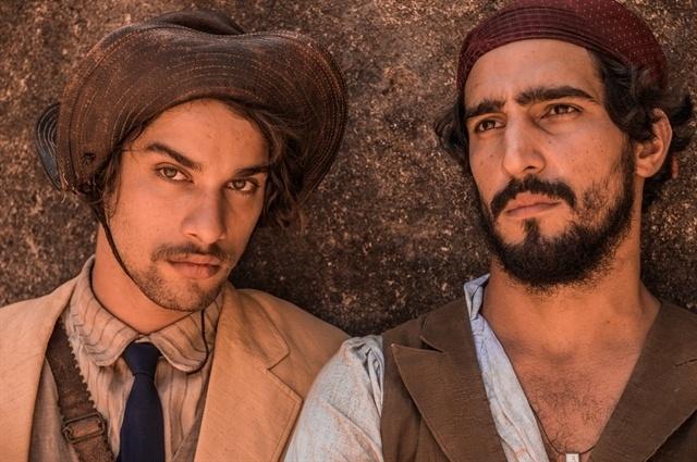 Cícero (Pablo Morais) e Santo (Renato Góes)