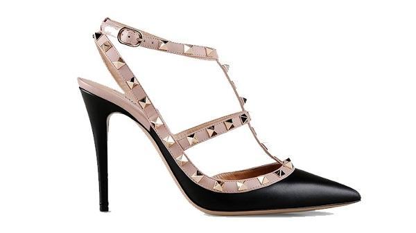 78b672263 Sapatos cobiçados de grandes grifes internacionais chegam a custar R ...