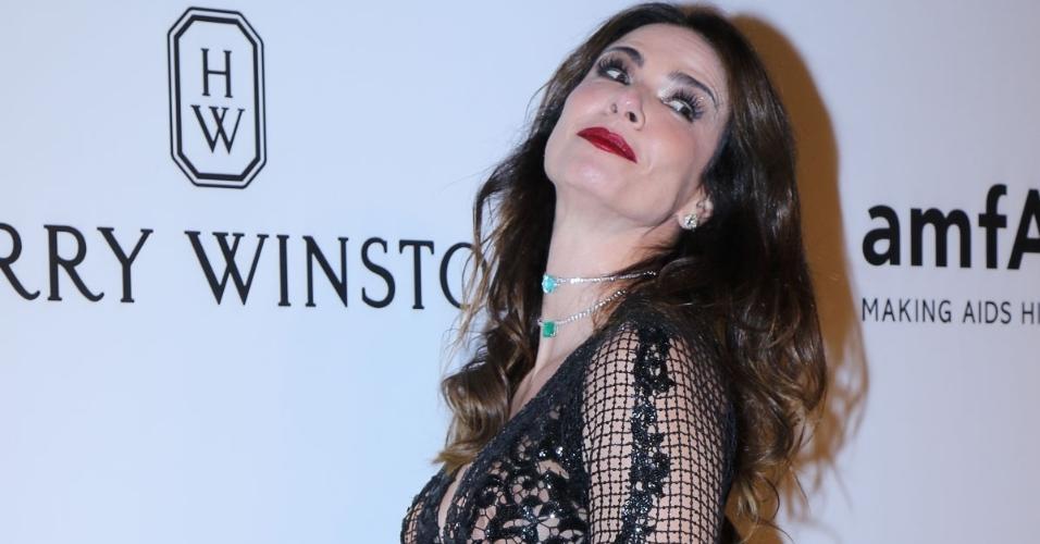 27.abr.2017 - Luciana Gimenez no baile de gala beneficente da amfAR, em São Paulo
