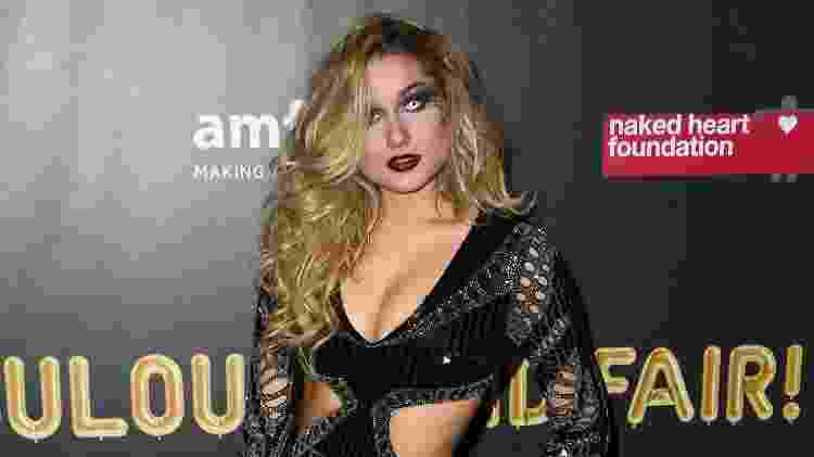 Sasha no baile de Halloween da amfAR - Getty Images - Getty Images