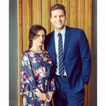 Clara (Bianca Bin) e Patrick (Thiago Fragoso) - Reprodução/Instagram