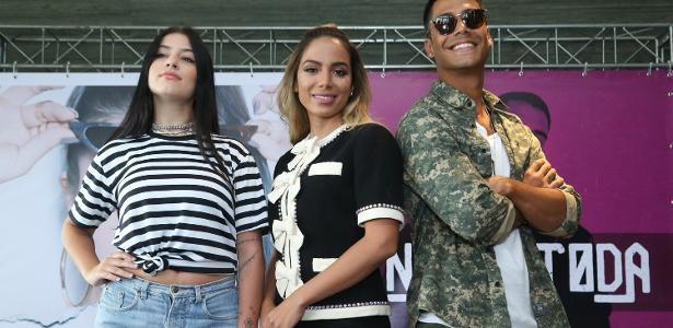 Anitta empresária: Cantora apresentou seus pupilos no pop, Clau e Micael