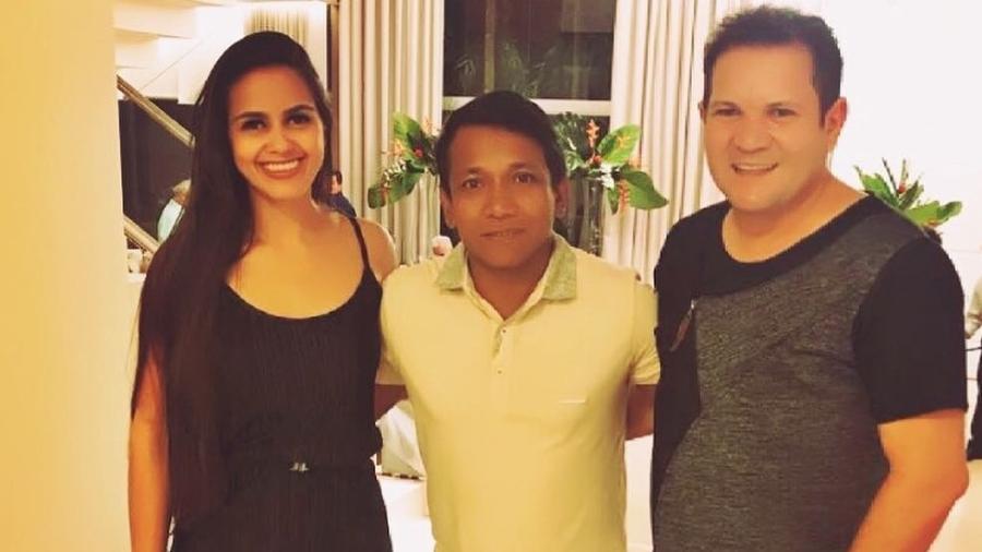 O apresentador Jorge Moraes posa com Karen e Ximbinha - Reprodução/Instagram