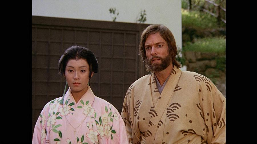 "Yôko Shimada e Richard Chamberlain em ""Shogun"" (1980) - Reprodução"