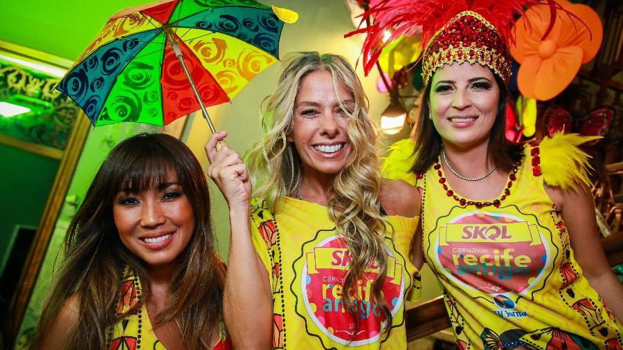 Dani Suzuki, Adriane Galisteu e Carla Bensoussan no Carnaval Recife Antigo - Divulgação