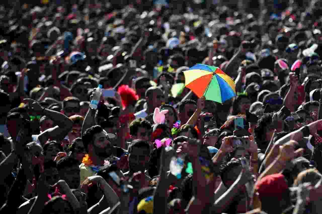 Público no Anhembi segue o Bloco da Jenifer, comandado pelo cantor Gabriel Diniz - Junior Lago/UOL