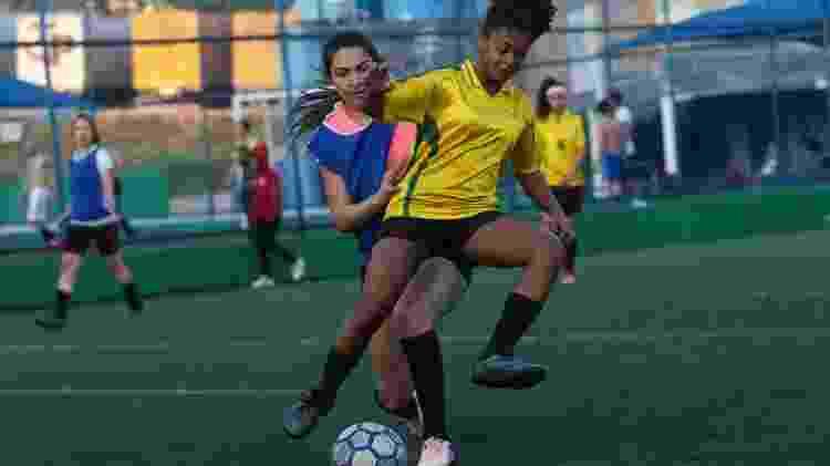 Amistoso do time do projeto Joga Miga, de futebol feminino - Amanda Perobelli/UOL