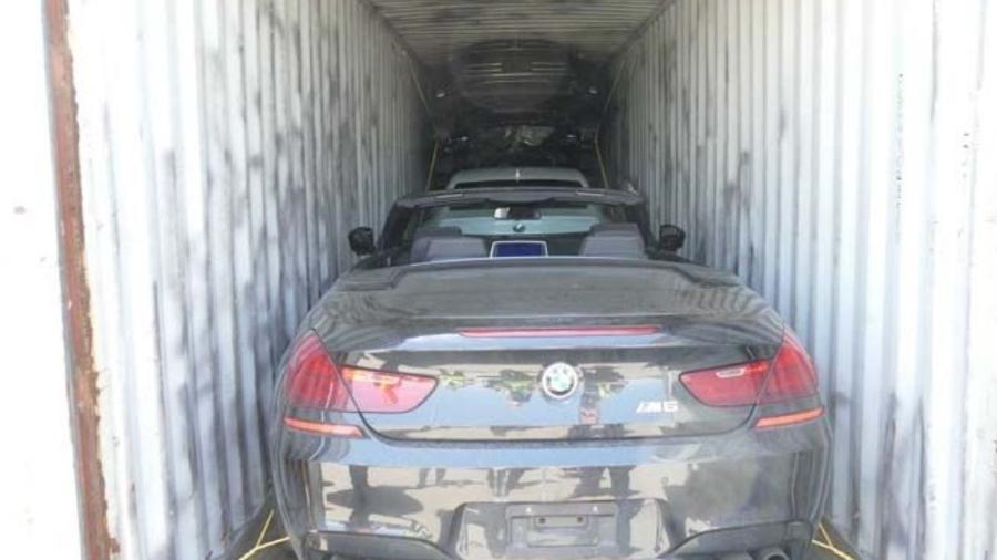 Carregamento de carros de luxo é interceptado na Itália - Divulgação