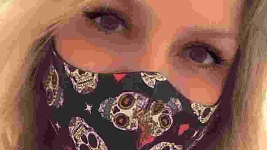 Eliana posa de máscara - Reprodução/Instagram