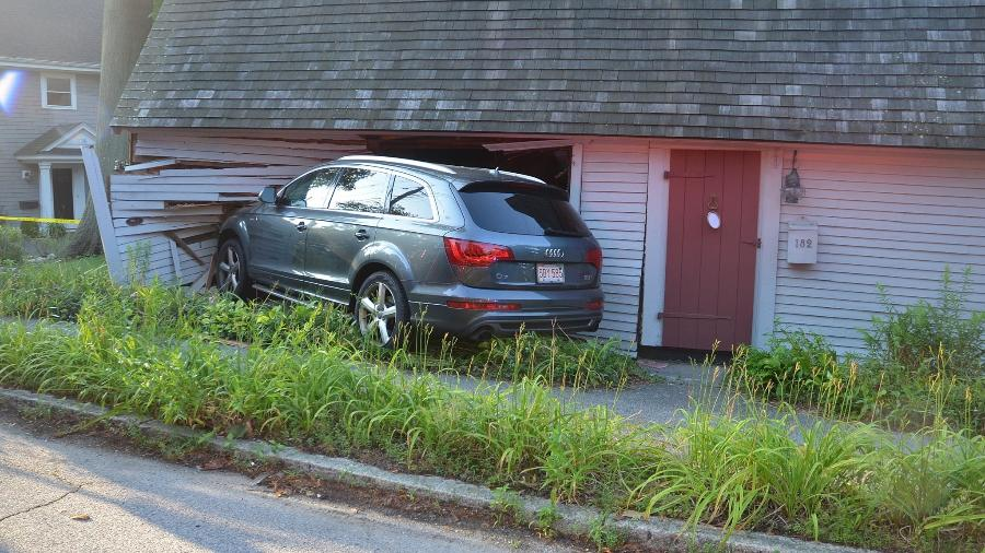Audi bate em casa de ancestrais de Abraham Lincoln - Reprodução