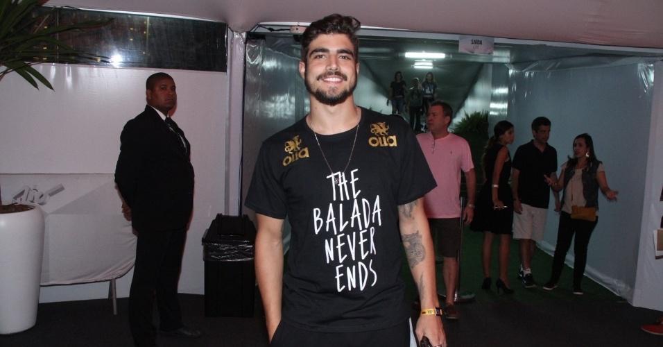 18.set.2015 - Caio Castro também marcou presença no primeiro dia de rock