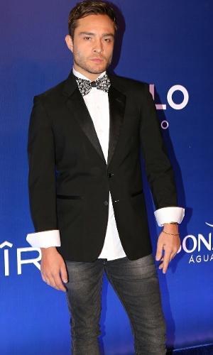 16.fev.2017 -  Ed Westwick, o Chuck Bass de 'Gossip Girl', no Baile de Carnaval da Vogue, no hotel Unique, em São Paulo